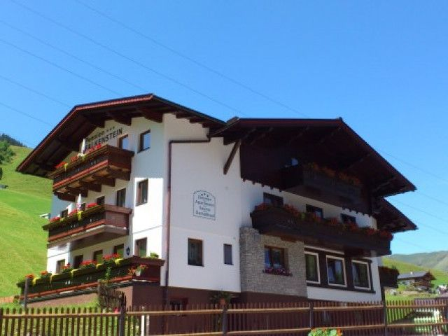 pension-saalbach5.jpg